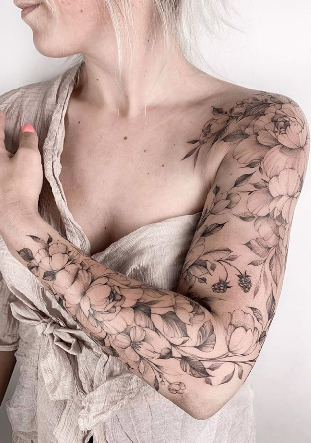 20 Unique Flower Sleeve Tattoo Design Ideas For Woman To Look Great Latest Fashion Trends For Woman Quarter Sleeve Tattoos Tattoo Sleeve Designs Floral Tattoo Sleeve