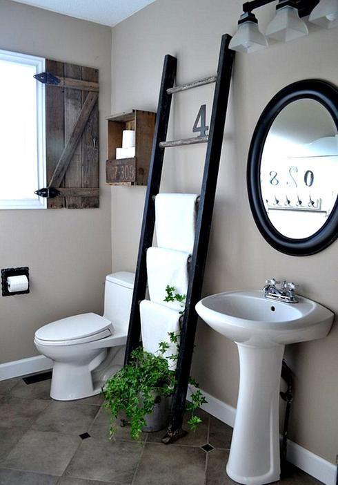 Comment Fabriquer Une Echelle Decorative Diy En 5 Etapes Echelle Salle De Bain Deco Salle De Bain Decoration Salle De Bain