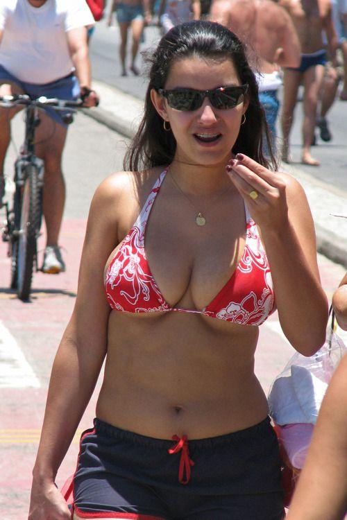 Busty Girl - Big Tits  Busty Girls, Bikini Tits, Sexy Girls-1577