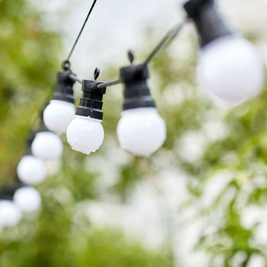 Solar Powered Led Emergency Lights Shine On Mother Earth News Led Emergency Lights Diy Renewable Energy Solar Led Lights