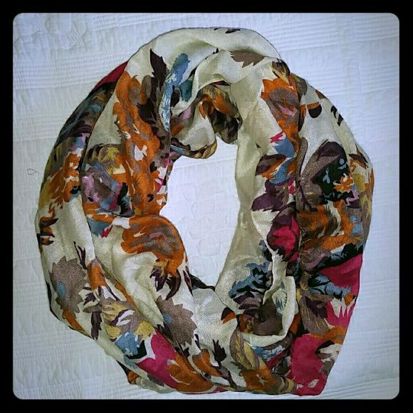 Infinty scarf Floral Infinity scarf has a few snags in it as shown. Accessories Scarves & Wraps