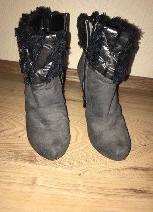 8d21c34423 Pin von ÖzgeK auf Kleiderkreisel | Damenschuhe, Schuhe damen und ...