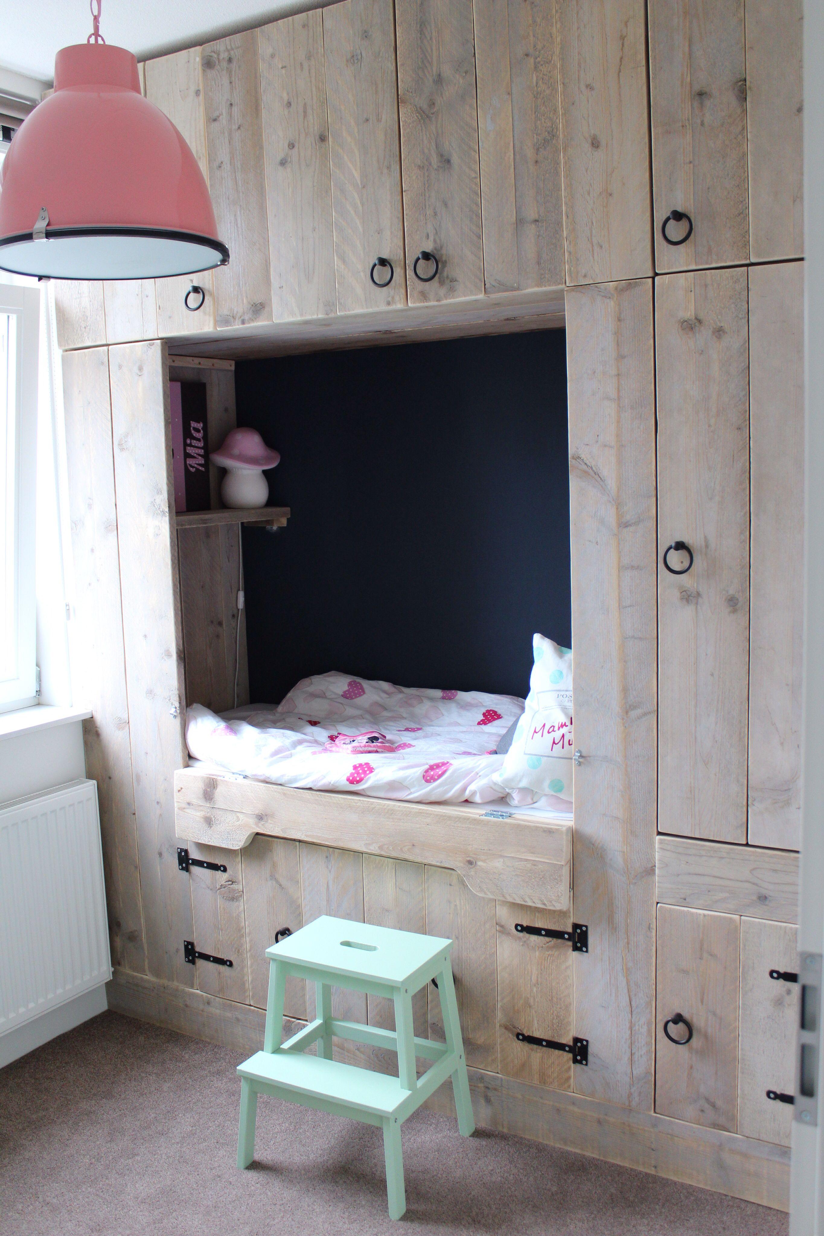 Bedstee steigerhout zelf gemaakt pinterest kinderkamer slaapkamer en kinderbed - Stapelbed kleine kamer ...