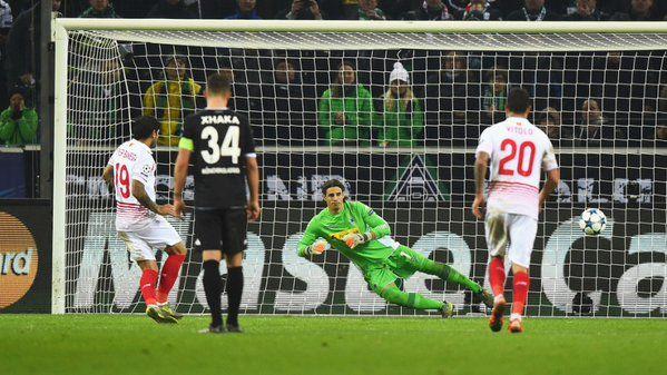 Vitolo en  el Borussia - Sevilla