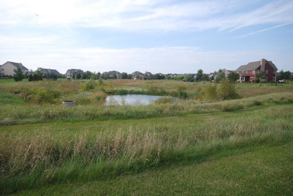 homes for sale in mary hill hartland wi