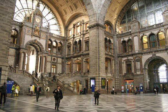 Antwerp Centraal, Belgium    http://loco2.com/blog/2013/03/train-station-art/