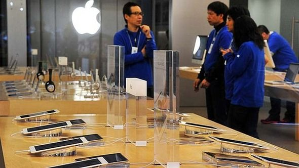 Comparison: Is Samsung Copied Apple Again With The Latest Samsung Store? - #Samsung #Apple #Store #Copy