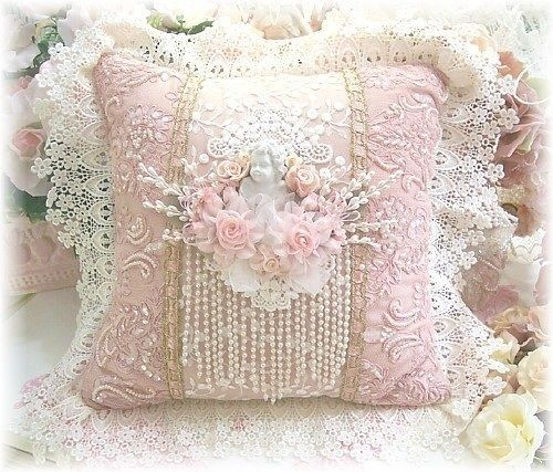Shabby Chic Deer Pillow : shabby lace pillows out your old lace! Use that lace to make beautiful shabby chic pillows ...