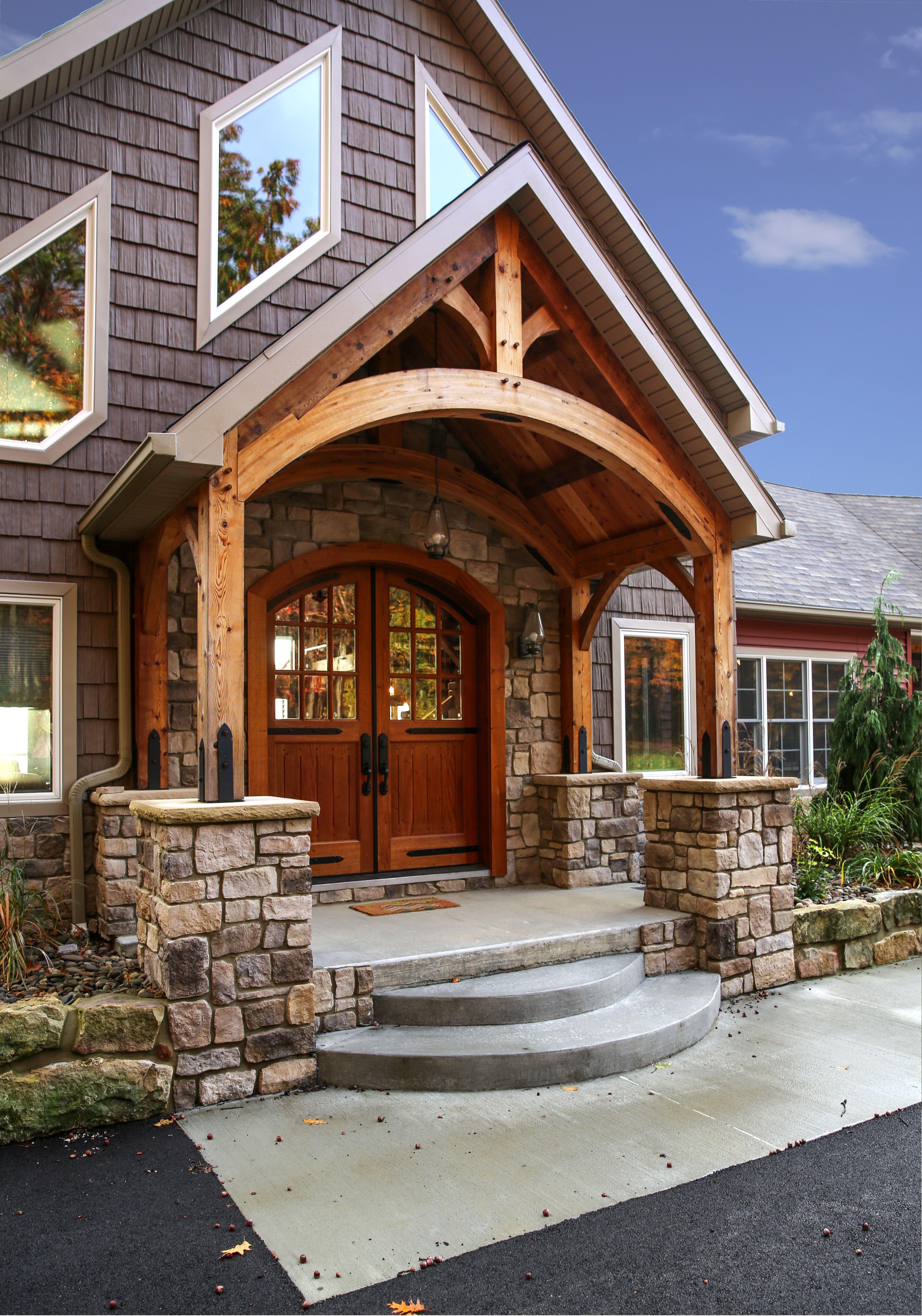 парадный вход в деревянный дом фото