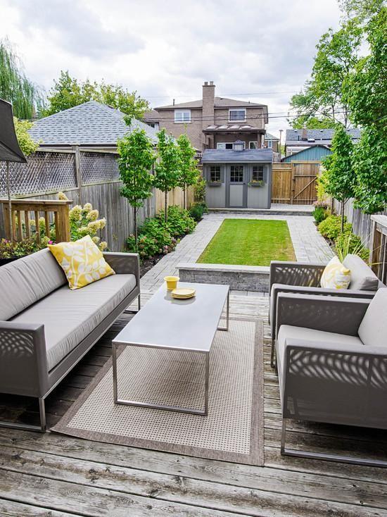 terrassengestatung innenhof rasen fliesen graue m bel hof pinterest garten terrasse und. Black Bedroom Furniture Sets. Home Design Ideas