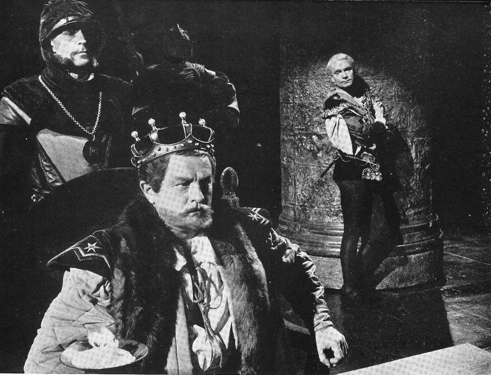 """""""Doubt thou the stars are fire; Doubt that the sun doth move; Doubt truth to be a liar; But never doubt I love.""""  --Polonius reading Hamlet's letter to Ophelia from """"Hamlet"""" (2.2.116) Sir Laurence Olivier as Hamlet in """"Hamlet"""" (1948 film)"""