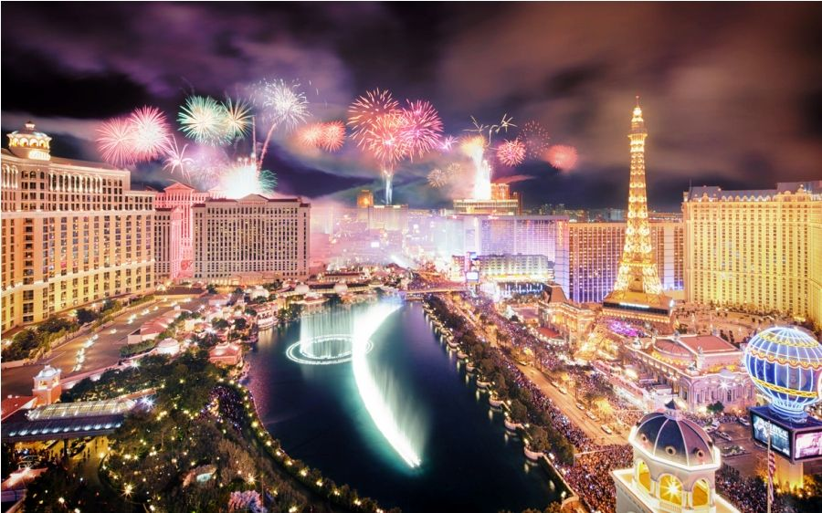 New Year S Eve In Las Vegas With Images Vegas New Years New Years Eve In Las Vegas New Year Fireworks