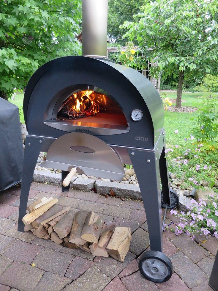 Ein Mobiler Pizzaofen Im Eigenen Garten Werfen Sie Einen