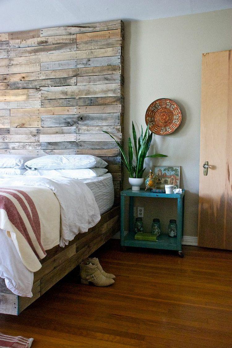 Holzwand In Grau Schlafzimmer Holzbett Holzbodenbelag Visuelle Balance
