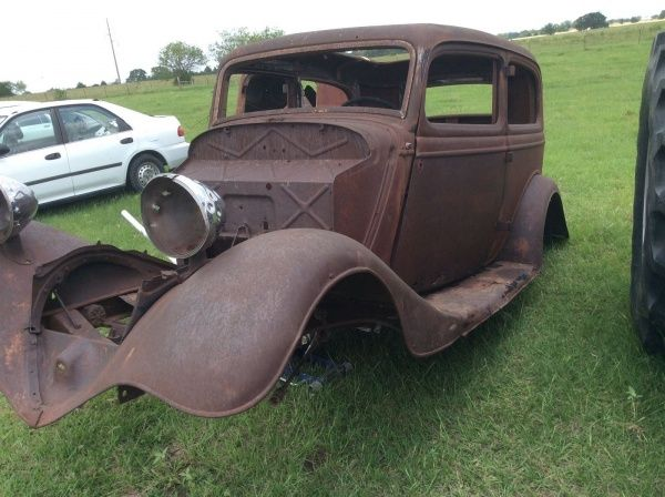 This Is A 1933 Ford Sedan Has All Window Moldings Except Drivers Side Door Latches Are Missing Call Text 979 220 1616 For Questions Old Race Cars Sedan Ford