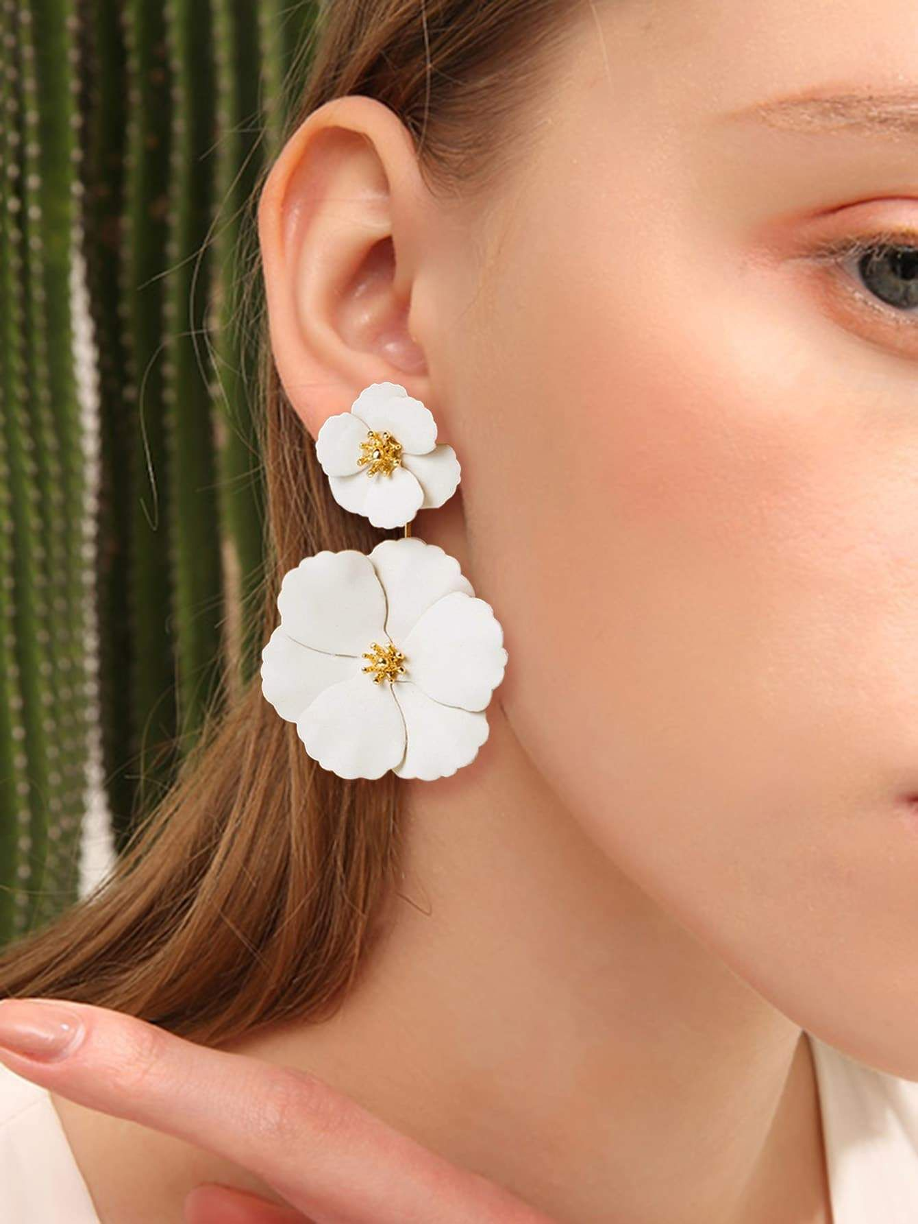 Pink Resin and Rhinestone Retro Style Flower Drop Earrings