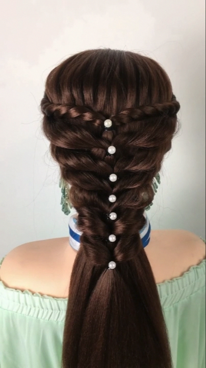 Braided Hairstyle For Long Hair Video Tutorial Simple And Beautiful Wedding In 2020 Hair Styles Braids For Long Hair Hair Videos