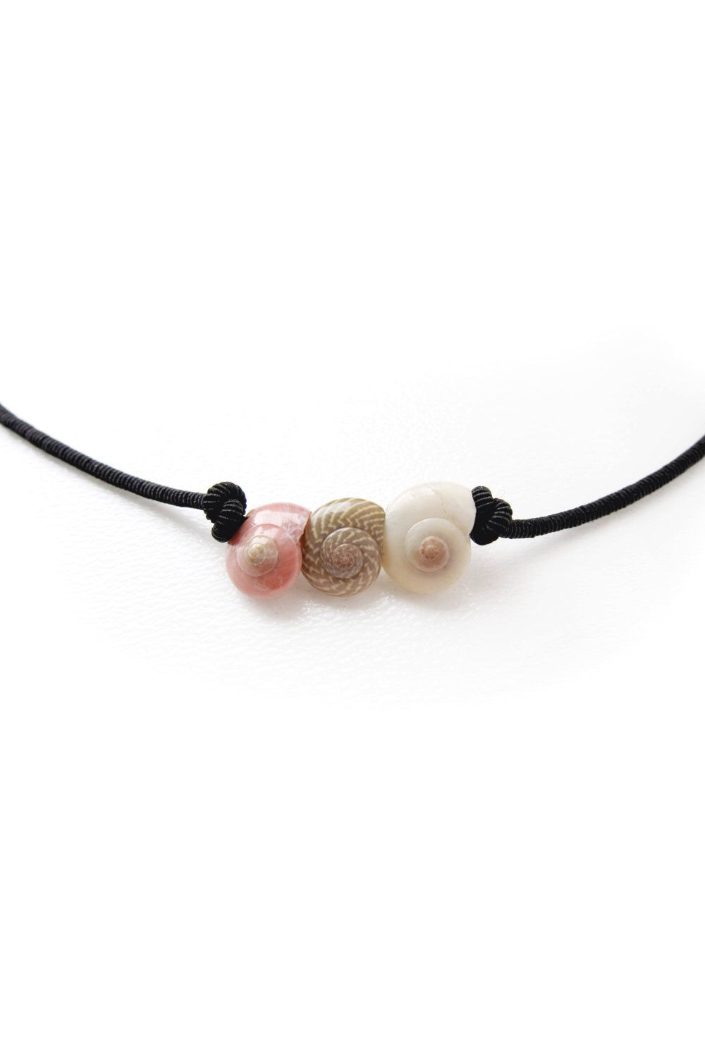 Seashell Necklace! I need this in my life!                                                                                                                                                      More