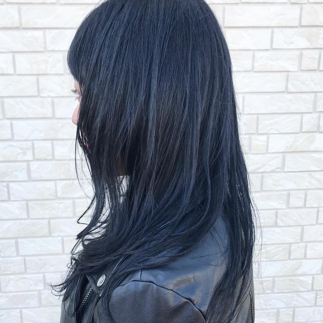 ブルーブラック ブルーアッシュ以外の青系の髪色1つ目は ブルー