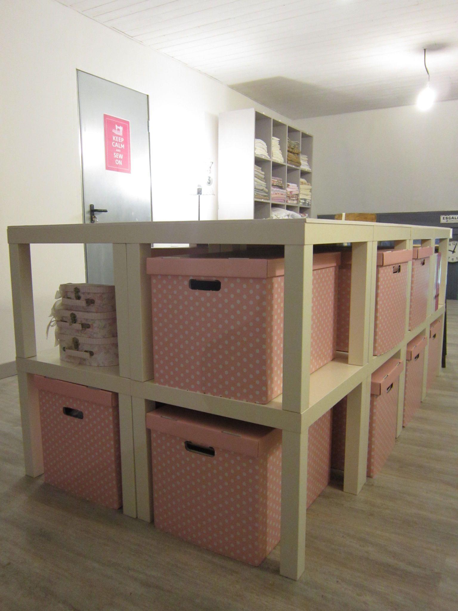 Création d'une table de découpe pour l'atelier couture.... - Chiffonniére d'étoiles | Rangement ...