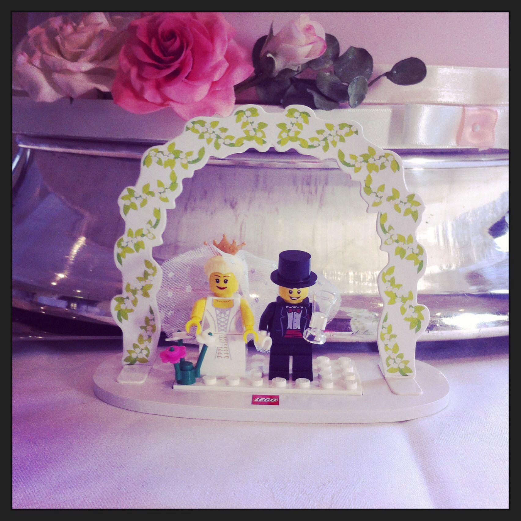 Lego bride and groom cake topper caketopper weddingcake