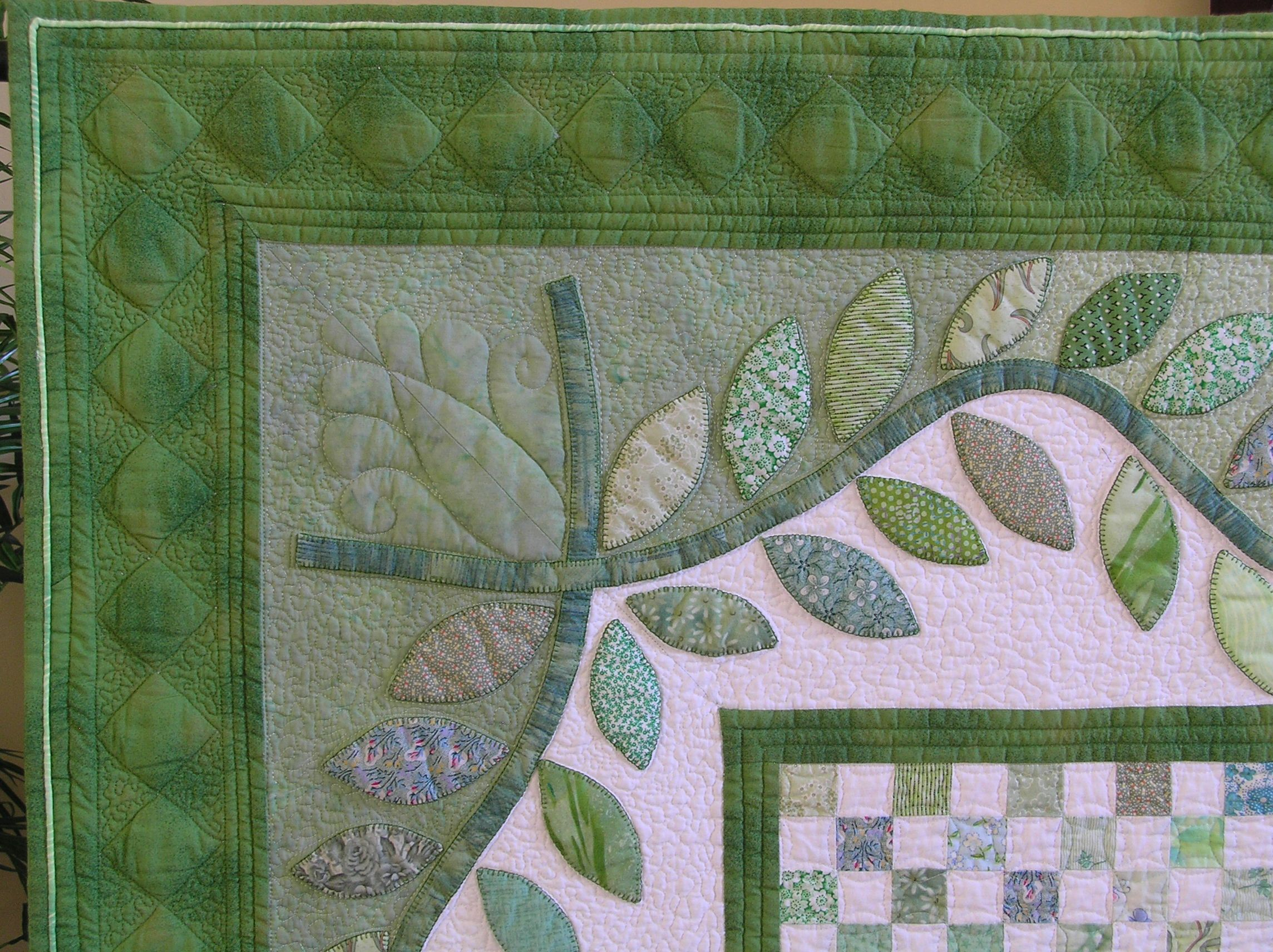 Emerald Spring quilting and binding detail | Шитье | Pinterest ...