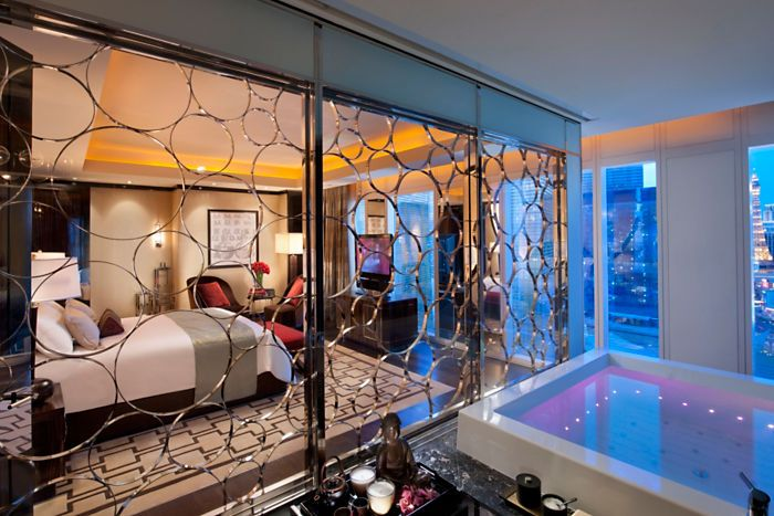 Combining The Classic Glamour Of The Art Deco Era With The Serenity Of The Orient Mandarin Oriental Las Vegas Vegas Suites Las Vegas Suites Vegas Hotel Rooms