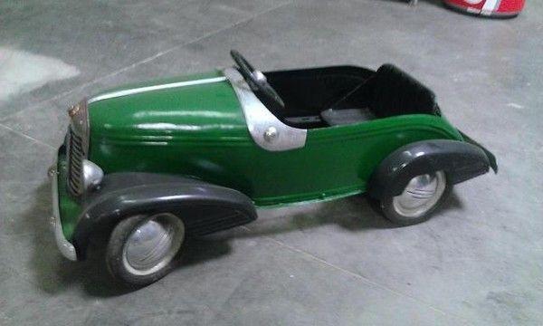voitures p dales voitures p dales pinterest voitures voiture jouet et vieux jouets. Black Bedroom Furniture Sets. Home Design Ideas