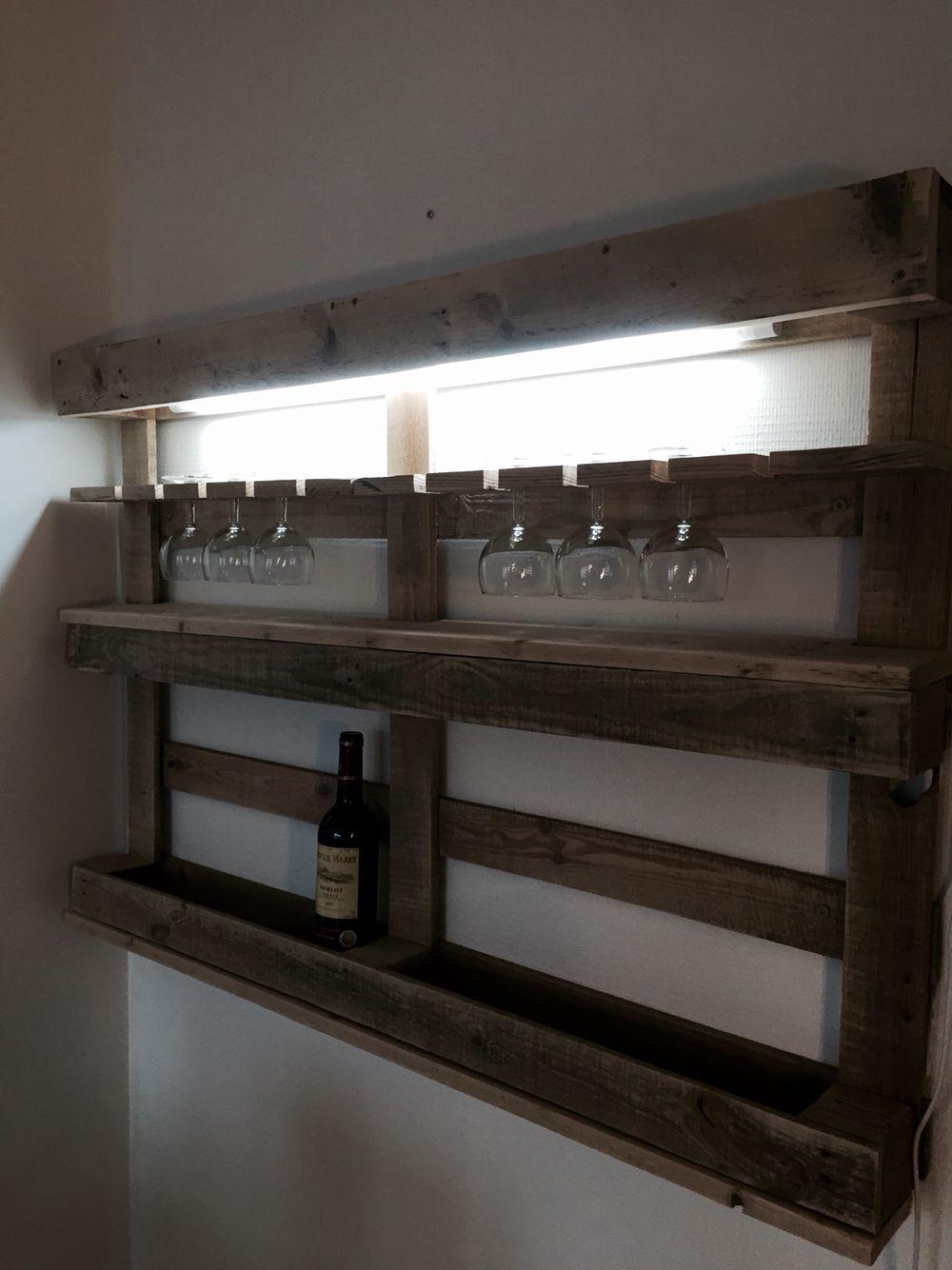 mon bar vins meuble en palette d co bois fait maison pinterest meuble palette meuble. Black Bedroom Furniture Sets. Home Design Ideas