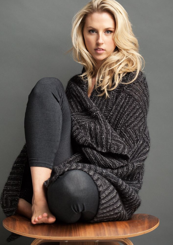 Kit 020 - Mitred Blanket Knitting Kit - Peppercorn & Char