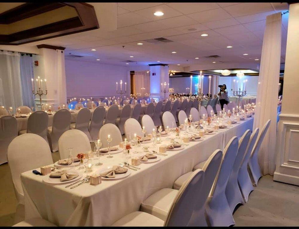 Sixth Floor Wedding And Event Venue Milwaukee Wi 10 In 2020 Venues Night Wedding Reception Wedding Venues