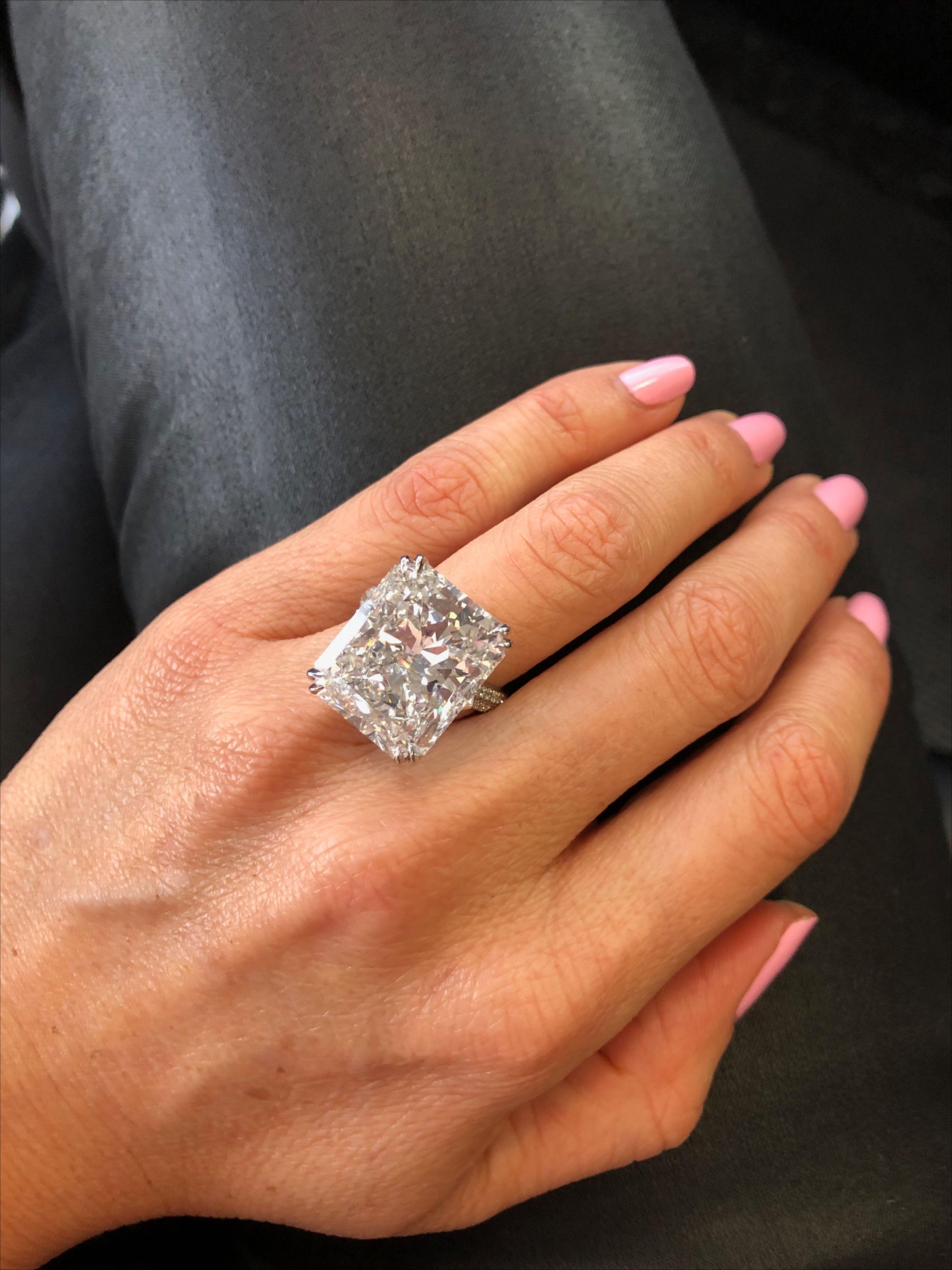 20 Carat Engagement Ring Miss Diamond Ring Dream Engagement Rings Diamond Engagement Rings Graff Engagement Ring