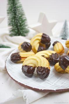 spritzgeb ck linzer kipferl rezept kekse backen pinterest. Black Bedroom Furniture Sets. Home Design Ideas