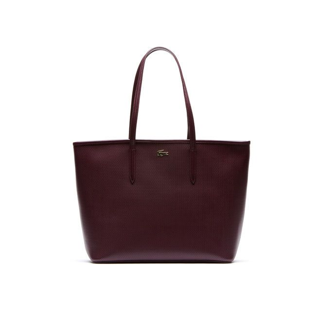 The Chantaco tote is perfect for carrying all your essentials during daily errands and on weekend jaunts.
