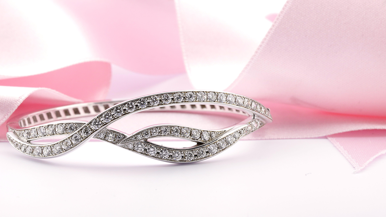 2.43 carat diamond design bracelet in white gold | Diamond Jewellery ...
