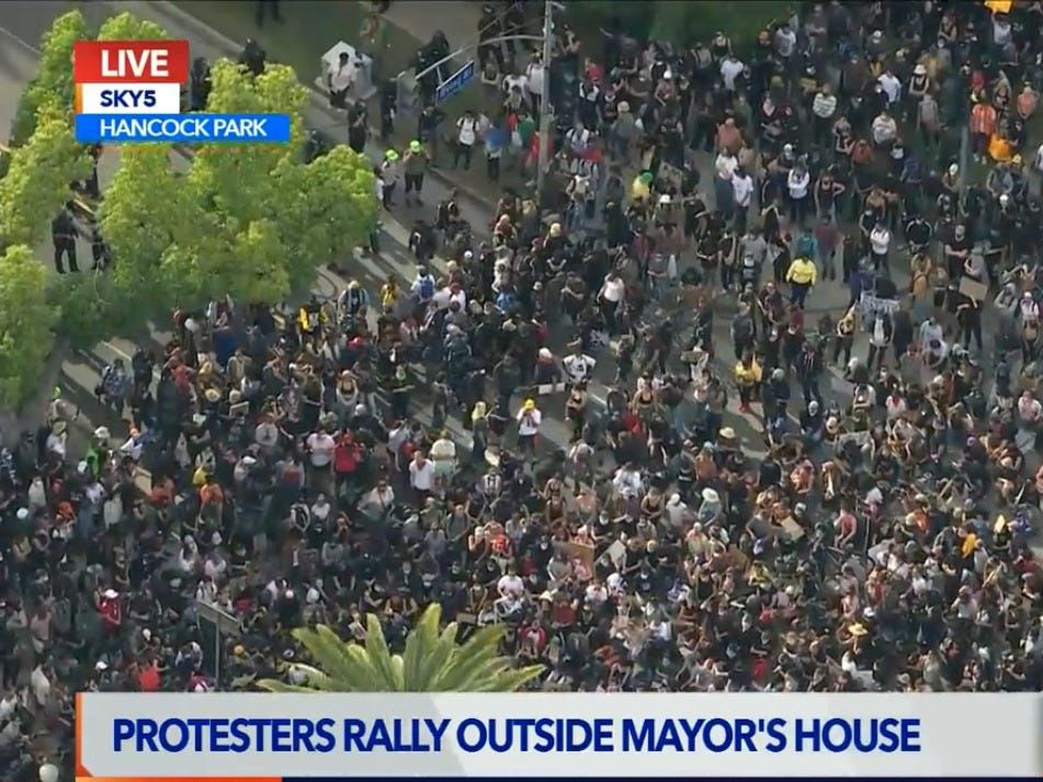 Thousands Protest Outside The House Los Angeles Mayor S House In 2020 Protest The Outsiders Exterior