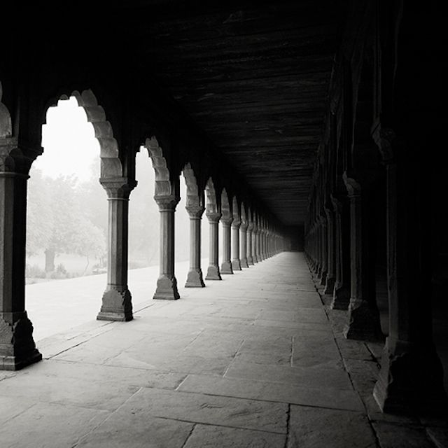 Black and White Photography of India from Austrian photographer Josef Hoflehner. Curated by your friends at https://createamixer.com/
