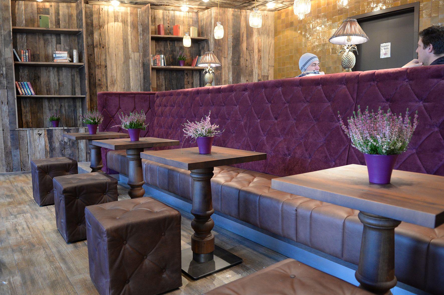 Ambiente mit viel Altholz Kuschelig plschig mit Lounge Charakter so prsentiert sich diese