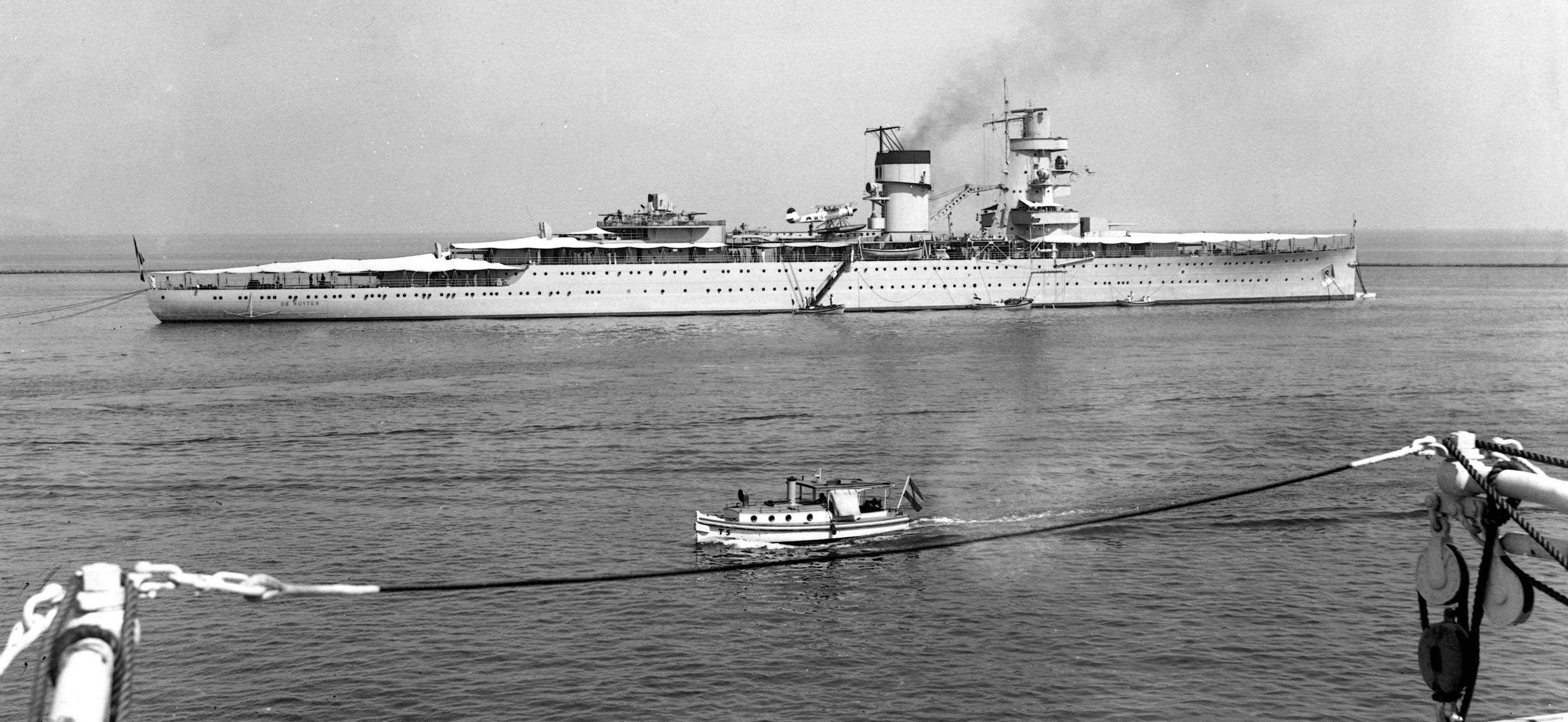 Resultado de imagem para HNLMS De Ruyter