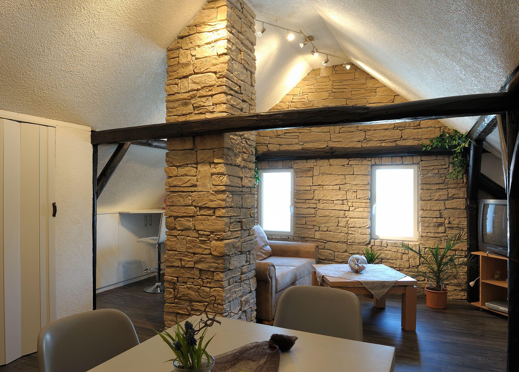 Auch in kleinen Wohnzimmern kommen die Wandverblender von DE RYCK by ...