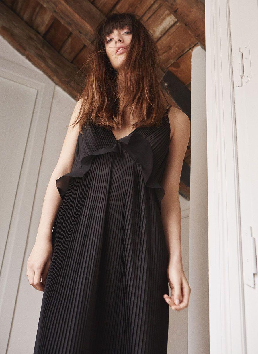 03827adeeea Long pleated dress - Dresses and Skirts - Ready to wear - Uterqüe Italy