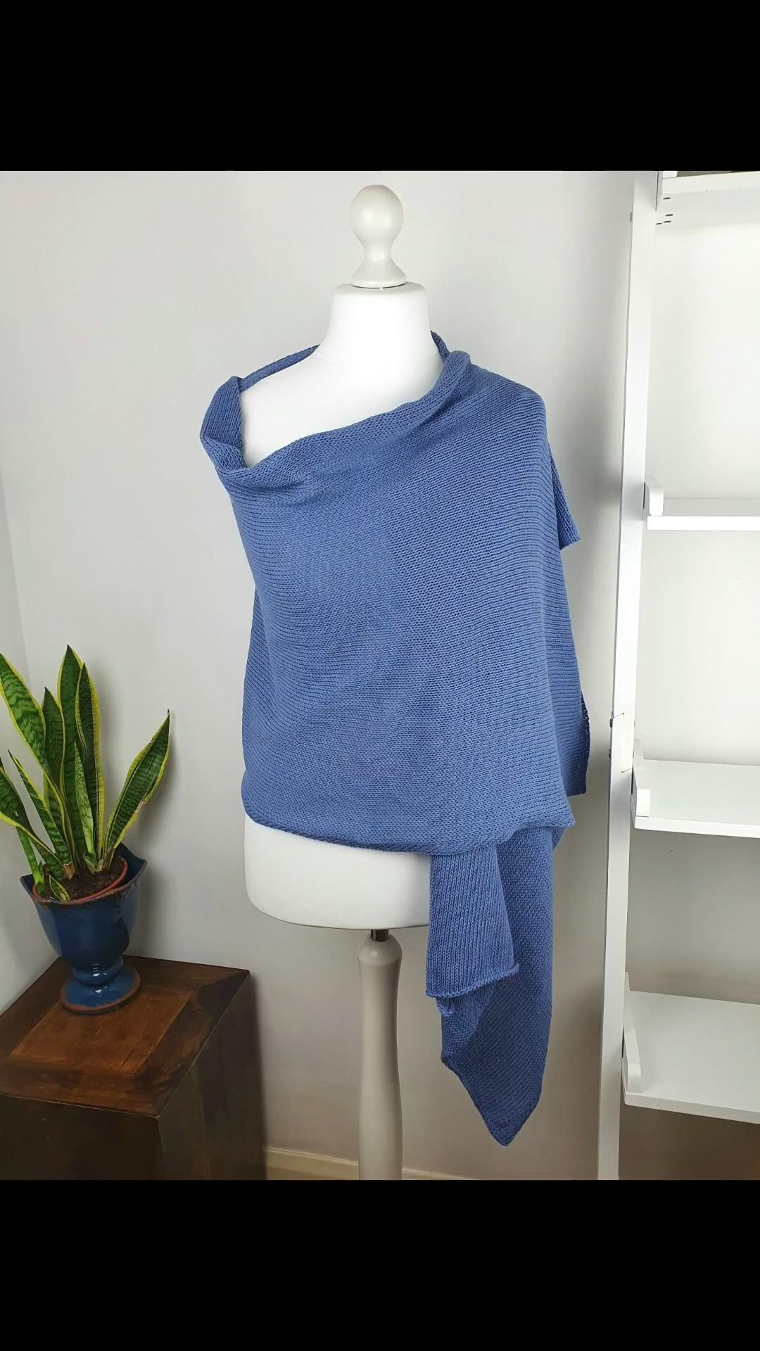 Photo of Blue Knitted Pashmina