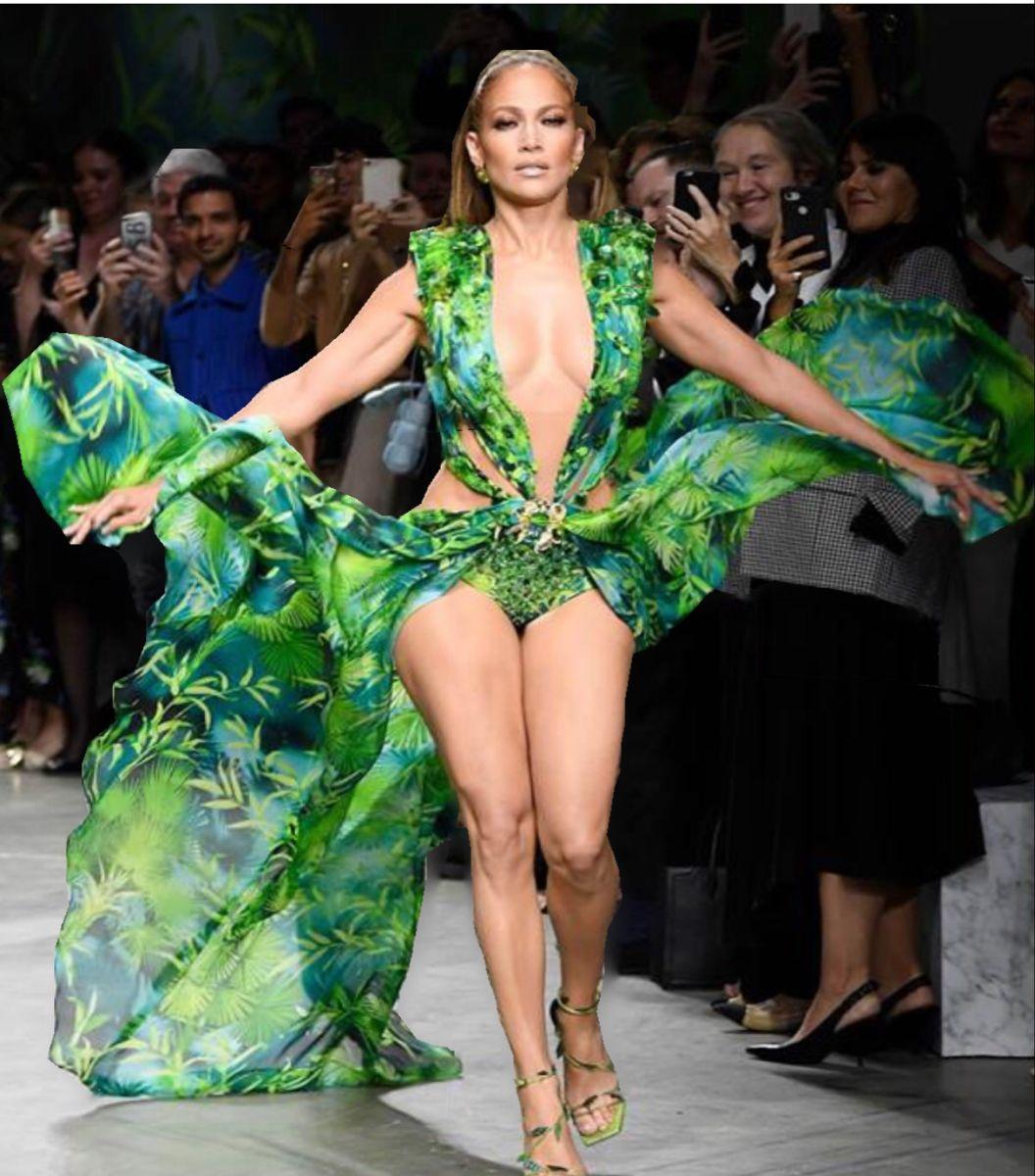 Still Looks Amazing Versace Dress Jlo Fashion [ 1200 x 1056 Pixel ]
