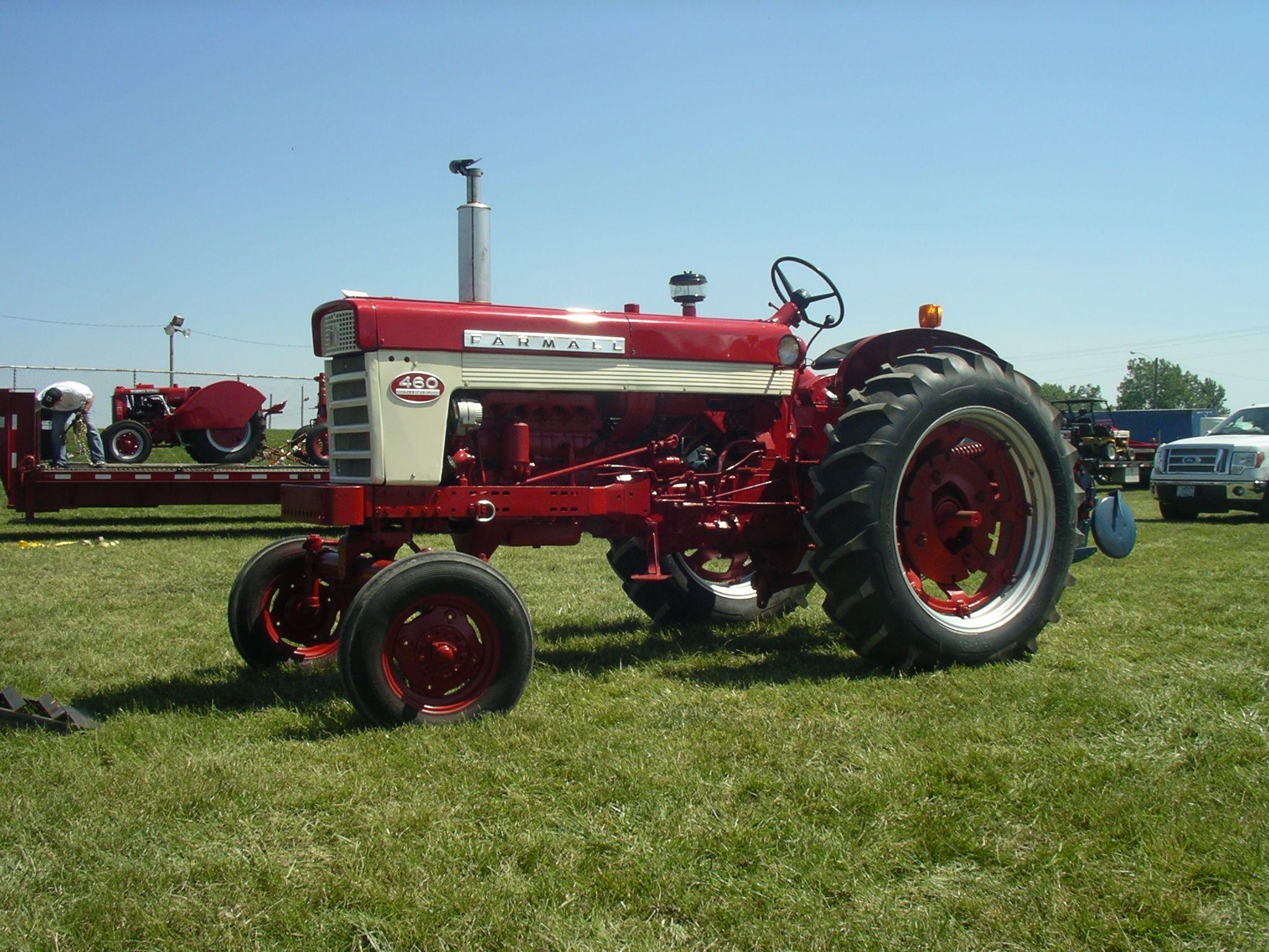 Farmall 460 Diesel Farmall, International tractors, Red