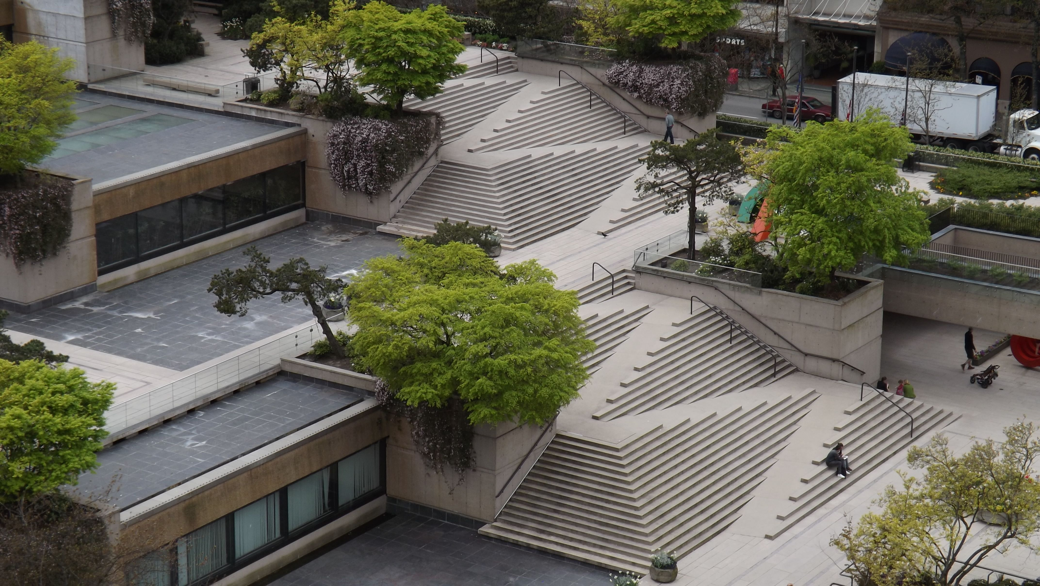 Best Stairs Ramp At Robson Square In Vancouver British 400 x 300