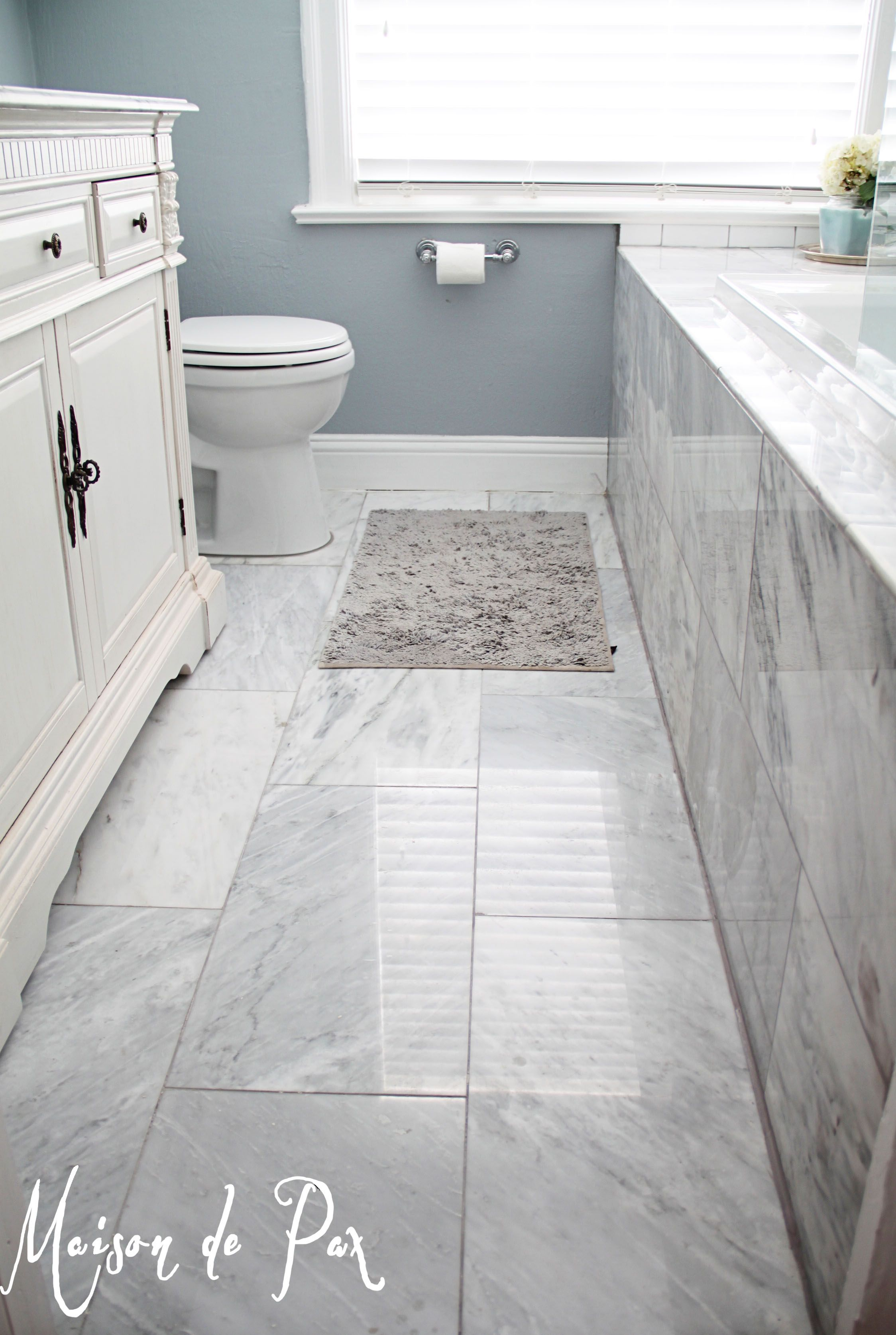 Gorgeous white and gray marble bathroom bath bathroom layout gorgeous white and gray marble bathroom dailygadgetfo Image collections
