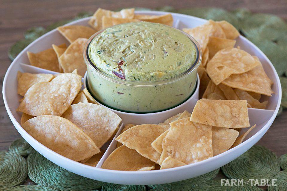 Creamy Guacamole Recipe | Avocados via @melissasproduce | Farm to Table LA Blog