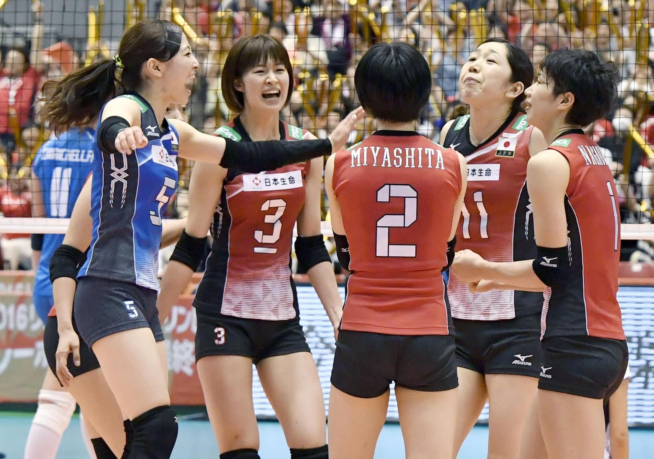 Japan Women S Volleyball Team Books Spot In Rio Olympics The Japan Times Women Volleyball Female Volleyball Players Olympic Volleyball