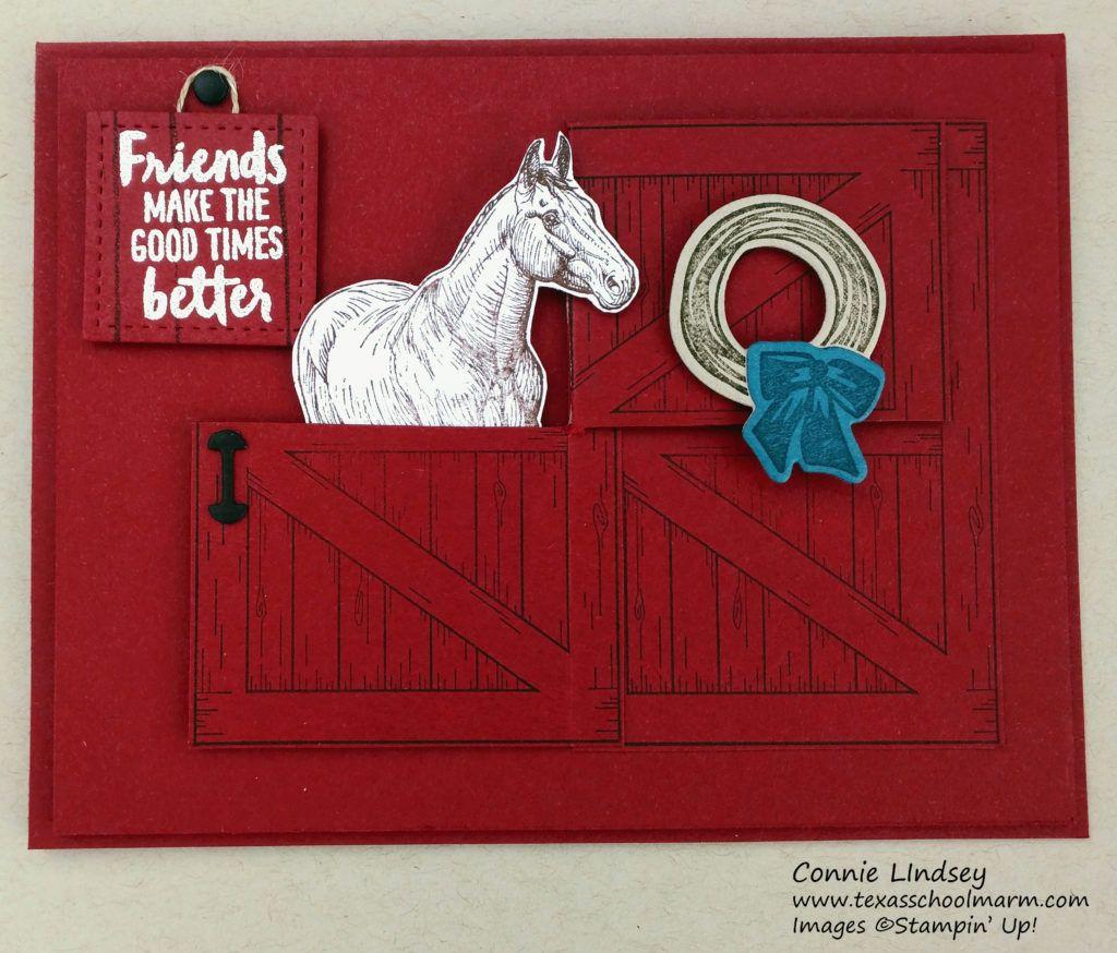 Horse By Barn Door Su 2018 Occasions Sab Barn Door