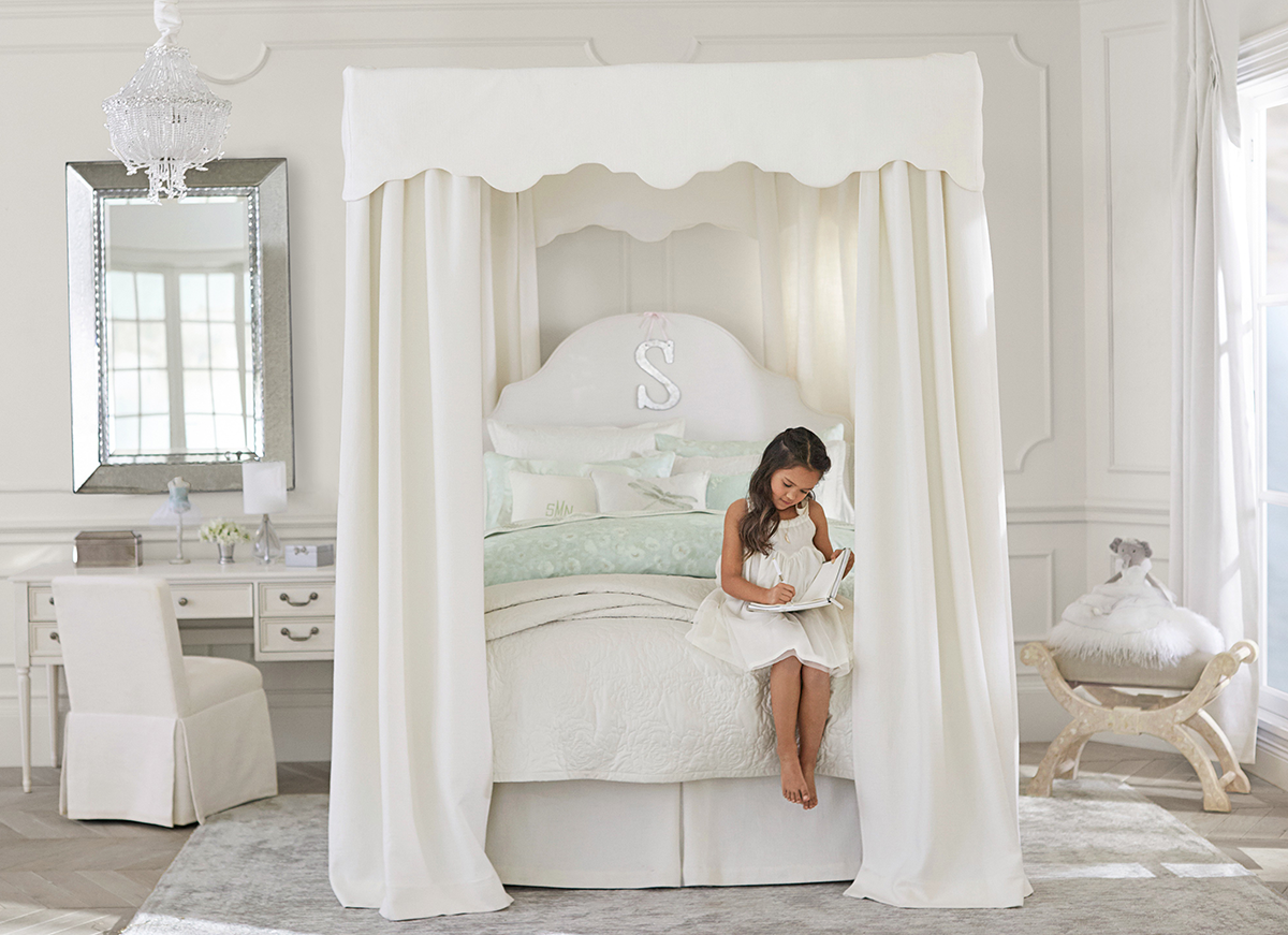 Monique Lhuillier Home Collection Girl room, Full canopy